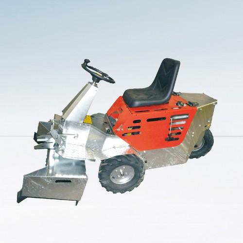Trattore CM2 per pulizia pavimentazioni grigliate e cieche